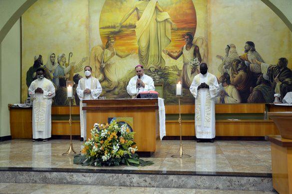 Missa de despedida do Padre Vitório Manga
