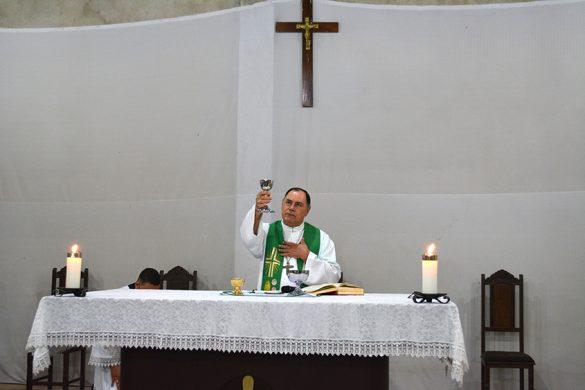 Dom Félix celebra Missa no Distrito de Era Nova