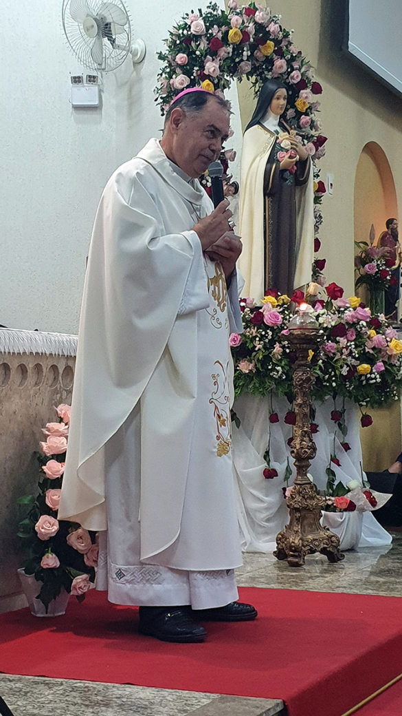 Paróquia Santa Terezinha celebra sua Padroeira