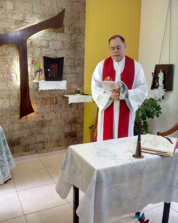 Dom Félix celebra Missa nas Clarissas Franciscanas