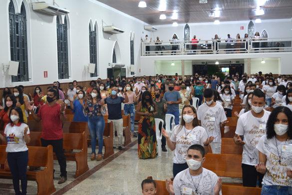 Crisma na Paróquia N. Srª. de Fátima da Vila Isa