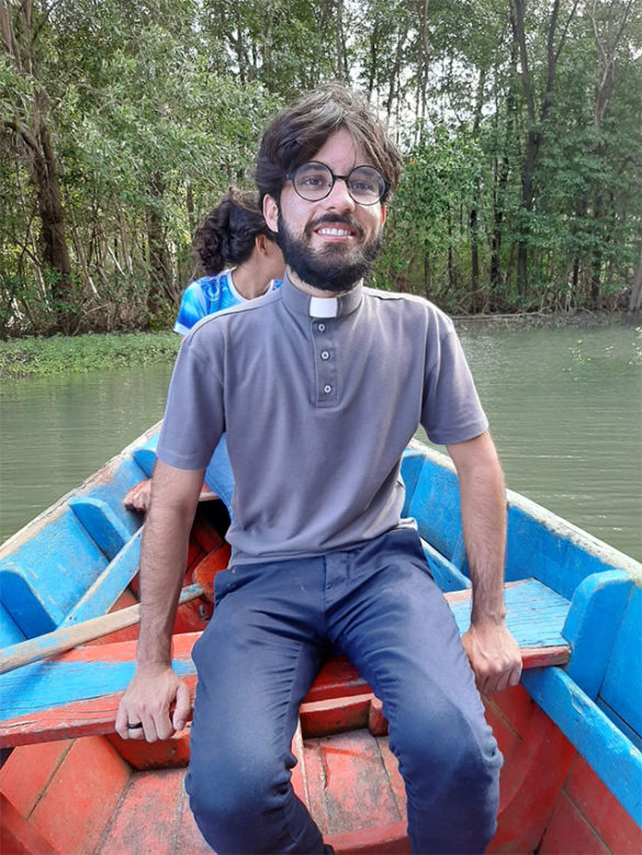 Pe. Bruno está fazendo uma experiência Missionária na Amazônia