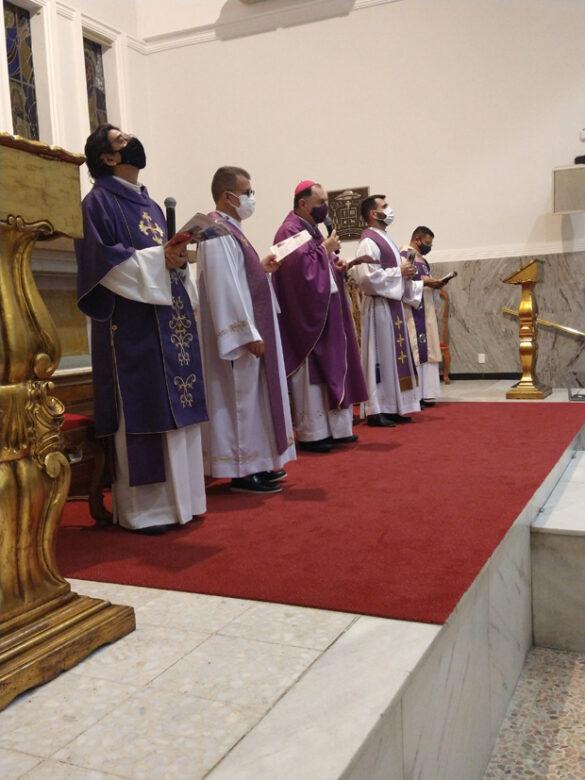 Celebração da Via Sacra na Catedral