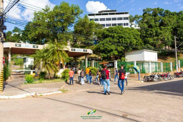 Momento de oração organizado pela RCC marca domingo no Hospital Bom Samaritano