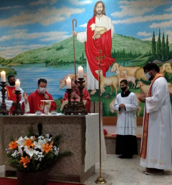Dom Félix faz Crismas na Paróquia de Santa Helena
