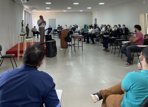 Clero de Valadares se reúne no Centrel