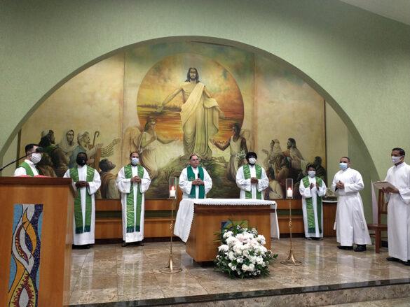 Missa de despedida do Padre Fabrício da Paróquia