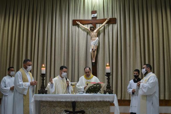 Missa da Festa da Padroeira na Paróquia Santa Helena