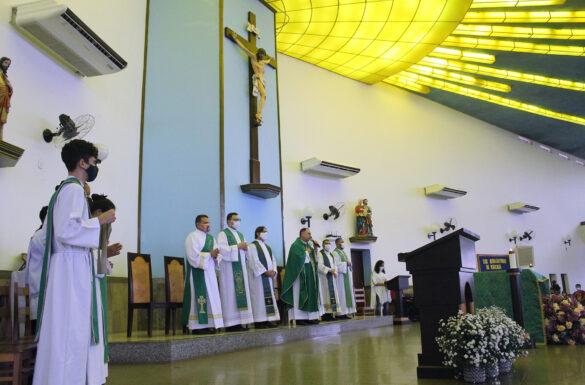 APRESENTAÇÃO DO PADRE BRUNO NA SAGRADA FAMÍLIA