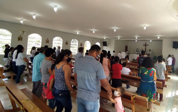 Dom Félix celebra Missa na Comunidade dos Borges