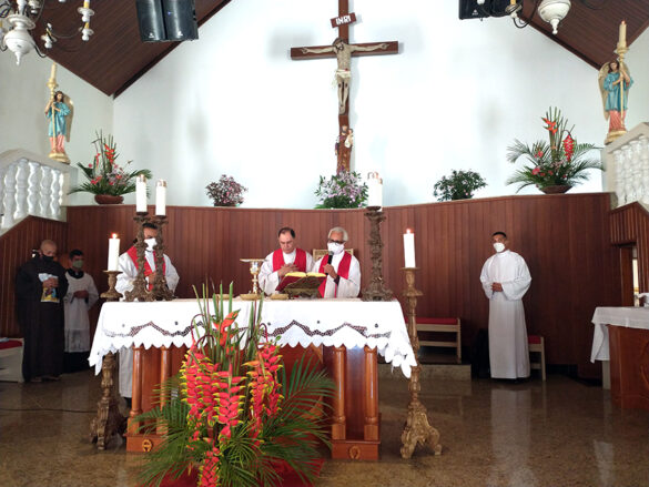 Celebração da Crisma na Paróquia de Sardoá