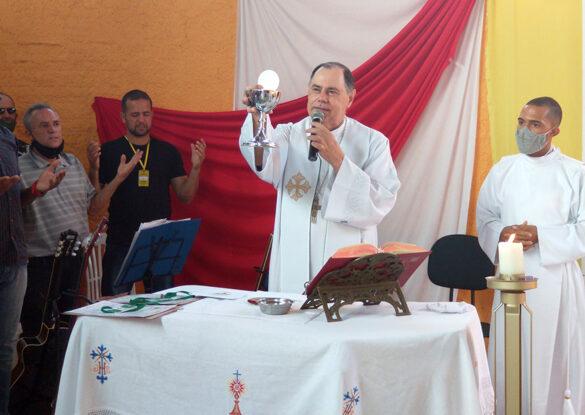 Dom Félix celebra Missa na ADQF Bom Pastor