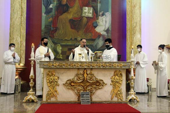 Missa na Novena da Padroeira na Paróquia da Ilha
