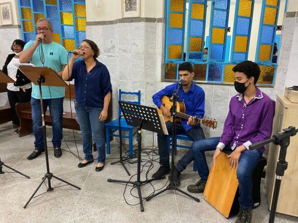Comunidade Nossa Senhora Aparecida celebra sua Padroeira